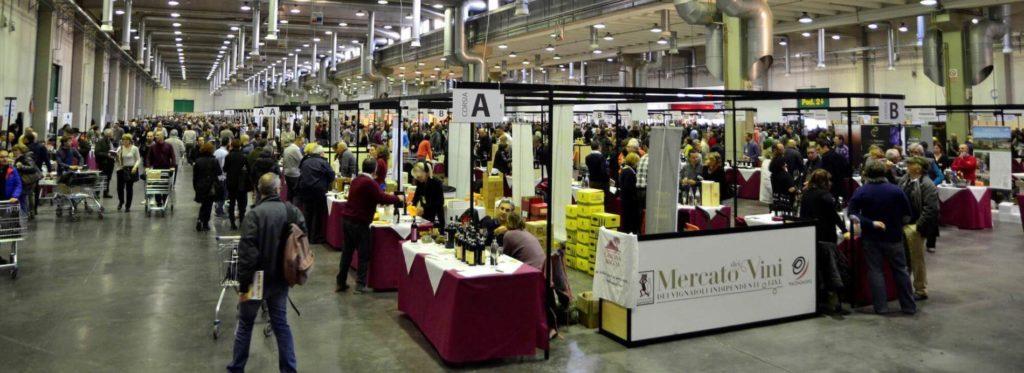 foto panoramica Mercato dei Vignaioli Indipendenti FIVI alla fiera di Piacenza